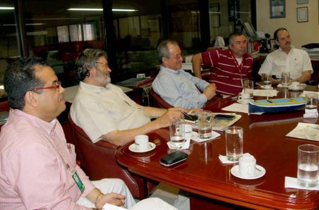 Jurados del Premio Simón Bolívar visitaron instalaciones de El Universal
