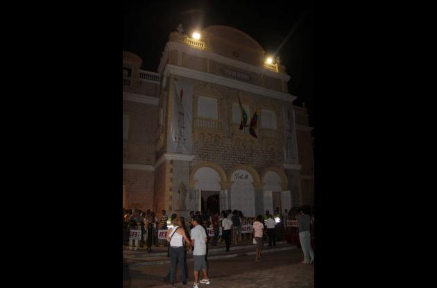 Teatro Adolfo Mejía en la presentación de Porfirio