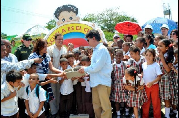 Megacolegio para María Cano, El Educador, Rosedal