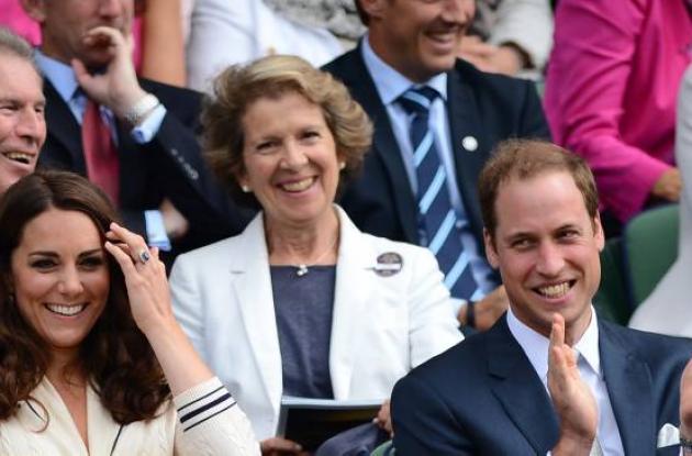 El príncipe Guillermo y su esposa Kate en Wimbledon. roger federer