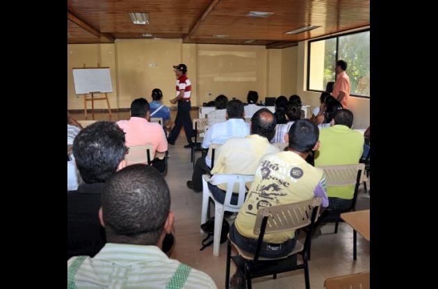 Los profesores amenazados son resguardados en la sede de Ademacor.