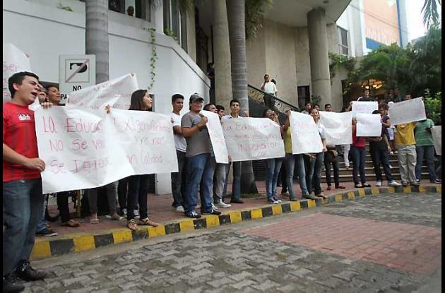Estudiantes de la Universidad del Sinú