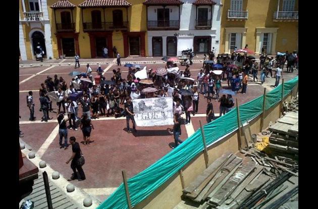 Los estudiantes se tomaron las calles del Centro de Cartagena para que su voz se