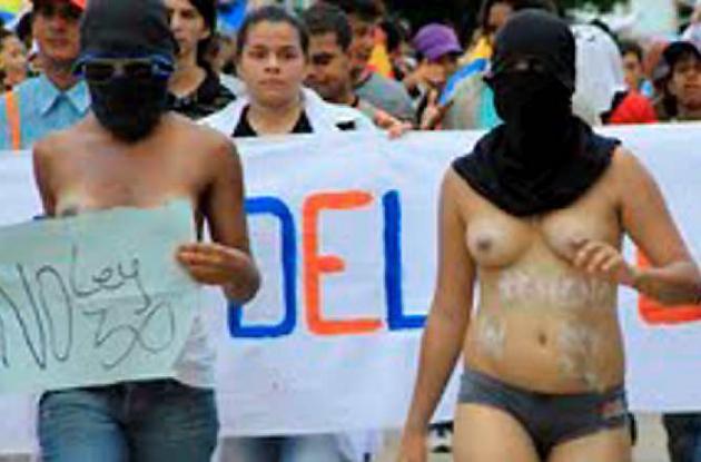 Se desnudan estudiantes de Universidad del Atlántico.