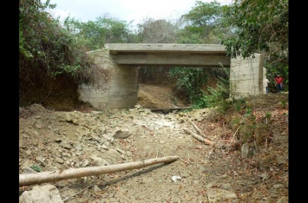 puente entre Las Piedras y Bajo Grande, en San Jacinto.