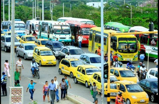 Congestionamiento vehicular en Puerto Duro.
