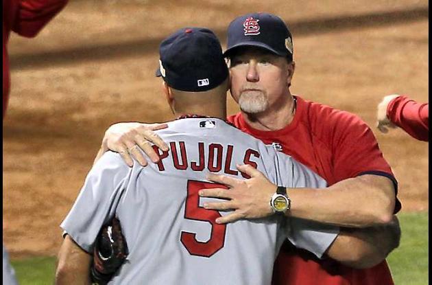 Pujols conectó tres jonrones en el partido ante los Rangers de Texas.
