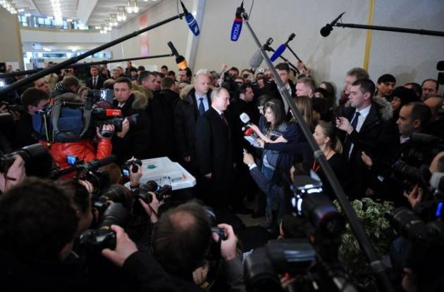 Putin gama primera vuelta a la Presidencia de Rusia.