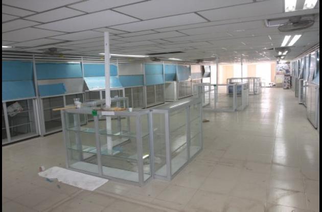 Quejas de vendedores del Pasaje Comercial Nueva Colombia.