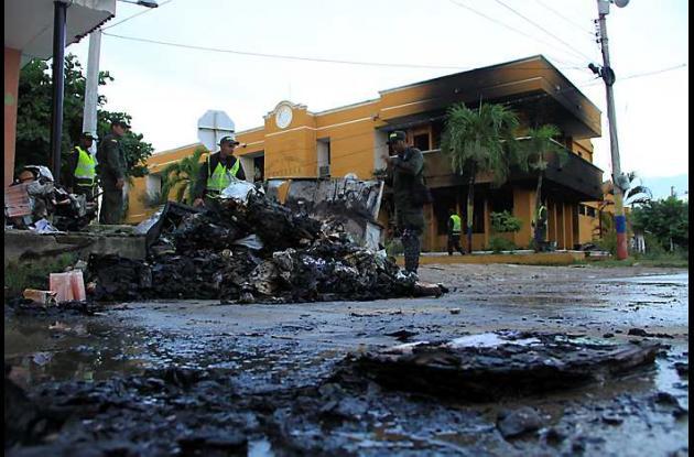 En Ponedera fue incendiado el Palacio Municipal.