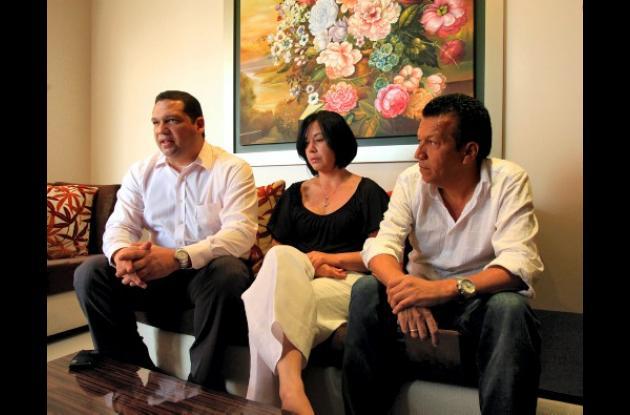 En la foto el abogado Arcadio Martínez, Jacqueline Ramón Y Luis Ojeda.