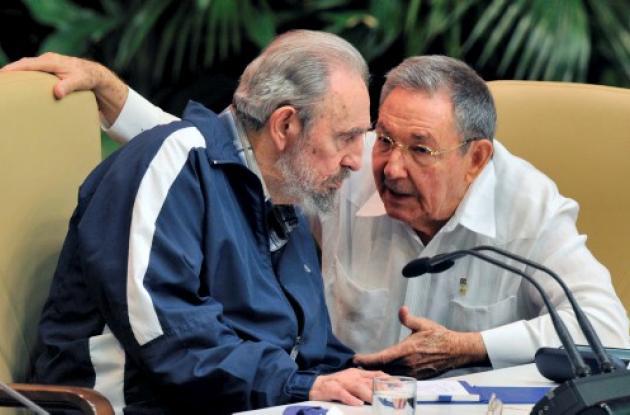 Raúl y Fidel Castro: dos presidente octogenarios.