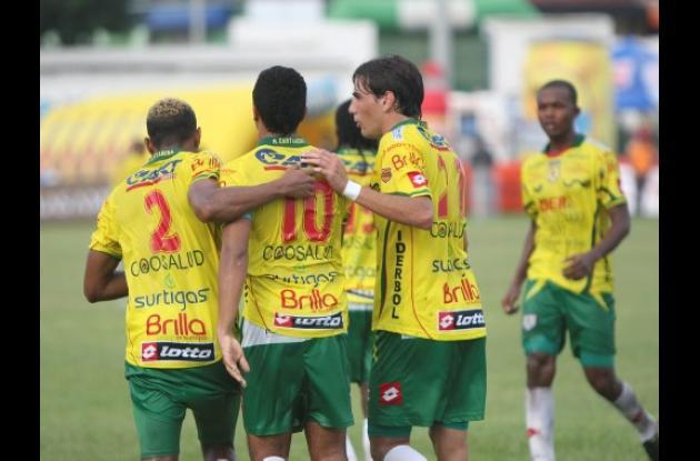 Real Cartagena celebró su cuarto triunfo en el torneo.