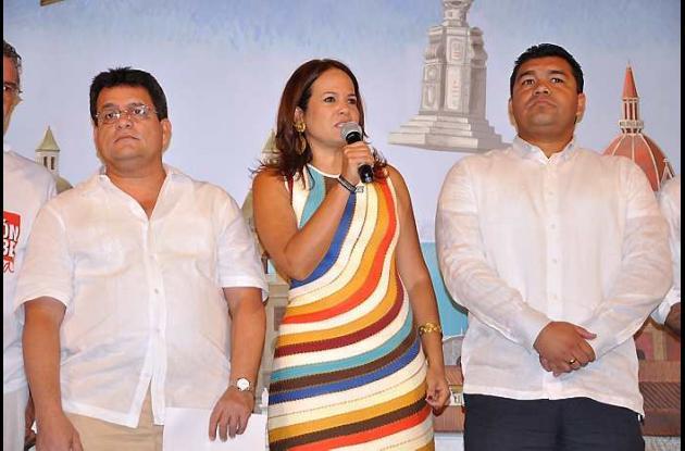 Alcaldes y gobernadores de la Costa Caribe firman documento.