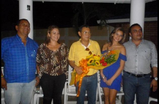 Álvaro Anaya, presidente de la Junta; Patricia Vásquez, madre; Marcelo Torres, a