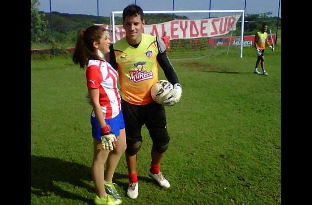 La reina del Carnaval de Barranquilla visita concentración de Junior.