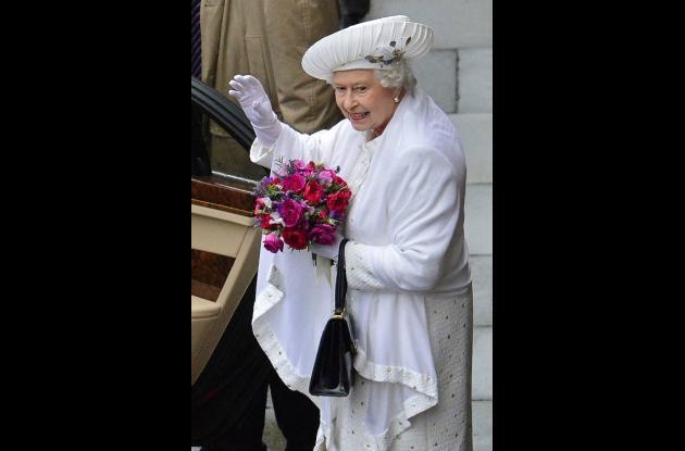 La reina Isabel II durante la celebración.