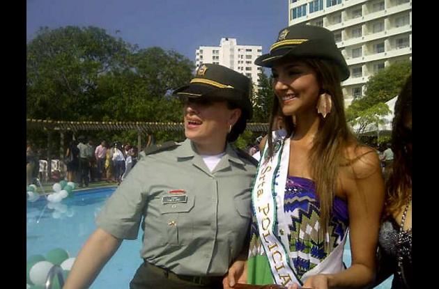 Melina Ramírez Serna, señorita Valle, como reina de la Policía Nacinal