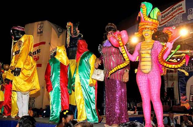 Preludio de Las Gaviotas: fiesta llena de color