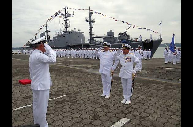 Relevo en comando de la Fuerza Naval del Pacífico.