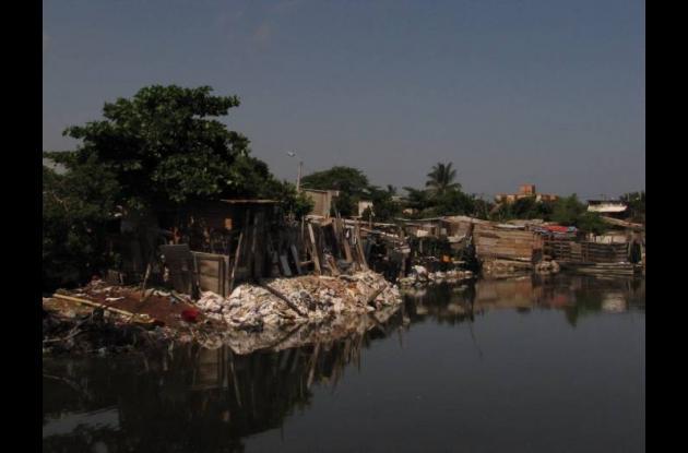 invasión la Unión a orilla del caño Juan Angola
