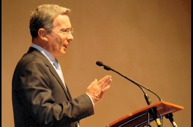 Alfredo Bocanegra Barón investigará al expresidente Alvaro Uribe.