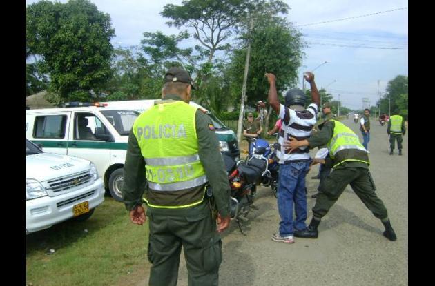 La Policía hace patrullajes y puestos en control en las vías terrestres y fluvia
