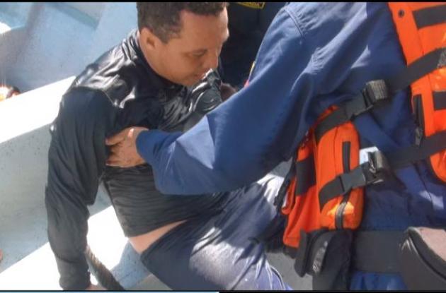 Armada Nacional rescata a dos buzos en Santa Marta.