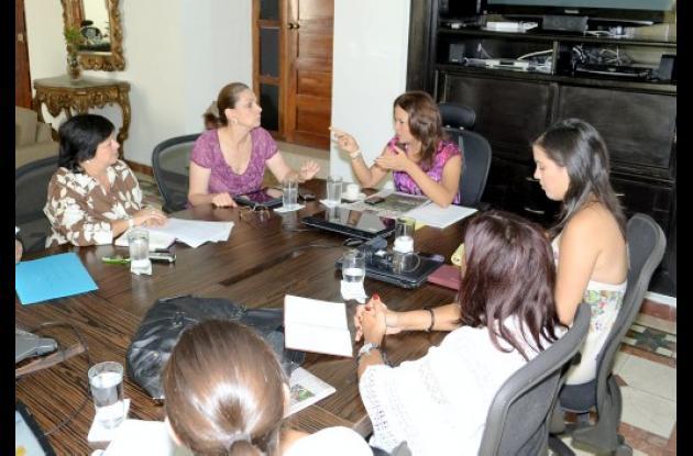 Reunión con directivas de Granitos de Paz.