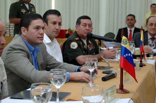 Reunión entre ministros de Defensa de Colombia y Venezuela.