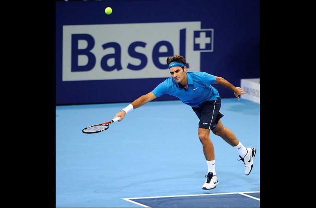 Roger Federer avanza en Basilea