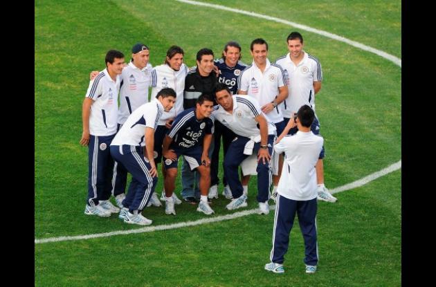 Salvador Cabañas anima a su antigua selección