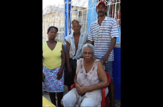 Familia Zuñiga Marimón, a quienes se les cayó su casa en San Francisco.