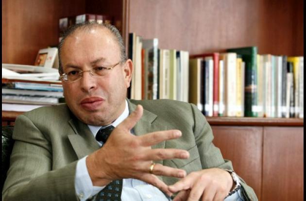El registrador nacional Carlos Ariel Sánchez