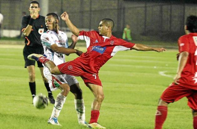 Sucre Fútbol Club ofendió constantemente el área del equipo Deportivo Rionegro