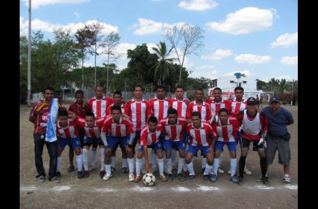 Equipo Casa del Rin disputará final del Torneo de Fútbol del Club 20 de Julio.