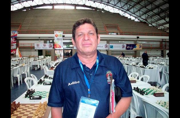 Ernesto Solano, árbitro sucreños en busca de su grado internacional.
