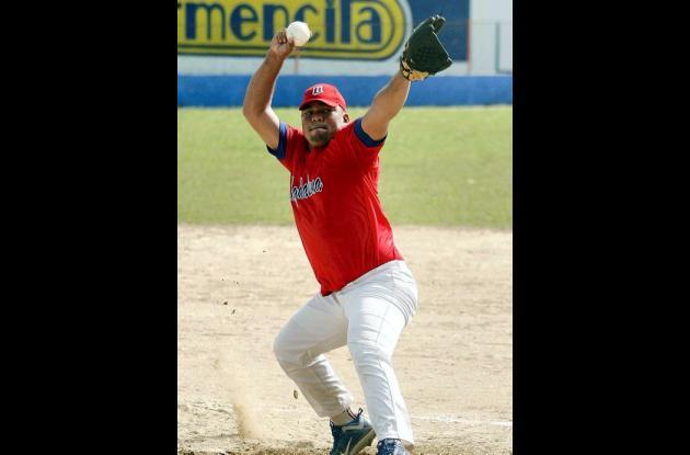 Javier Pérez, de Magdalena, mejor lanzador del torneo.