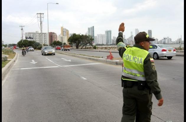 Instalación de semáforos en el tramo seis.