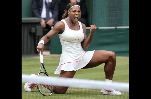 La tenista estadounidense Serena Williams fue llevada al hospital