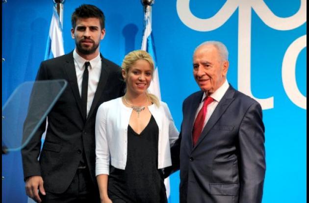 Gerard Piqué, Shakira y el presidente israelí Shimon Peres.