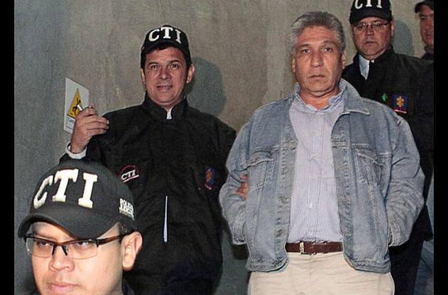 Sigifredo López al lado de algunos miembros de la CTI.