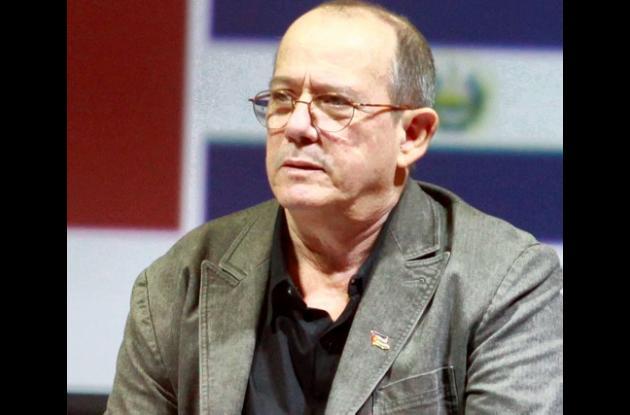 Silvio Rodríguez  rinde homenaje a Facundo Cabral.