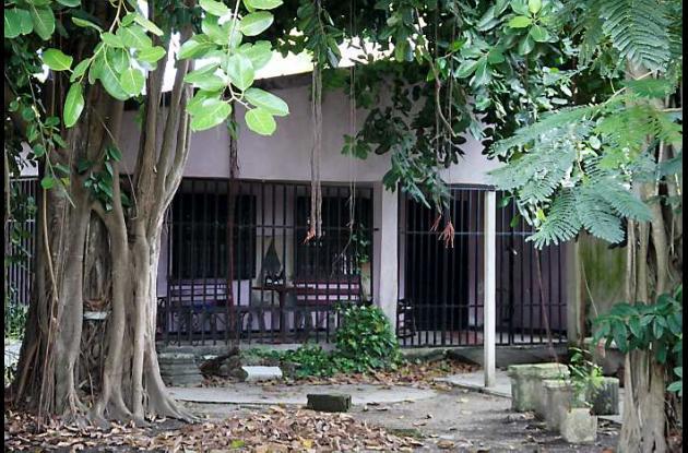 El escritor y docente fue asesinado en su vivienda en la calle Charles Chaplin