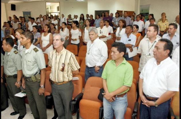Docentes, funcionarios de la Universidad e invitados especiales