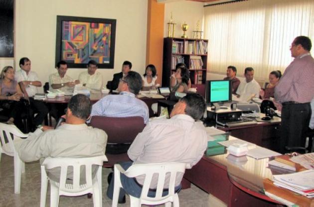 rector de Unisucre reunido con los pares académicos