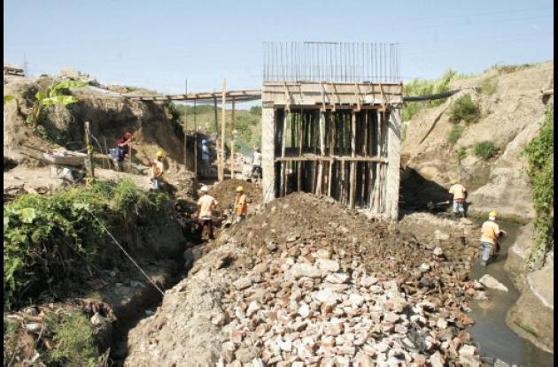 arreglo del puente del barrio Sierra Flo