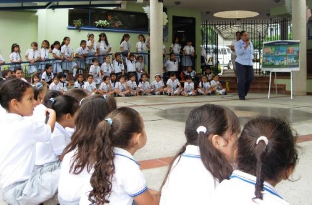 estudiantes del Colegio Nuestra Señora de Las Mercedes