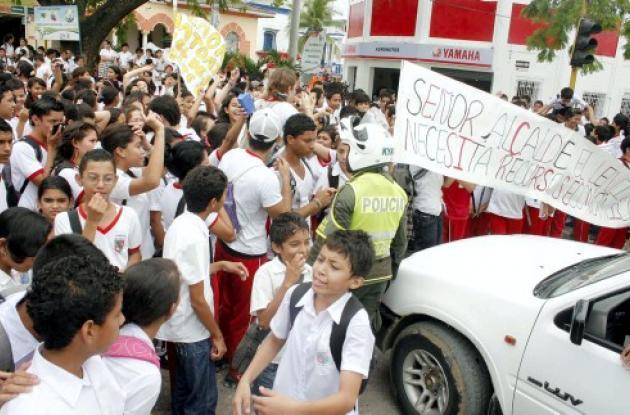 estudiantes bloquearon vías