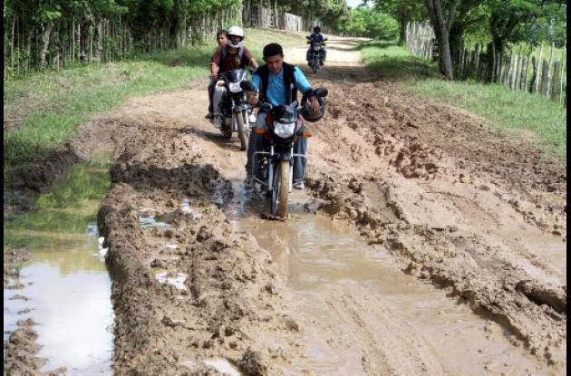comunidades rurales esperan urgentemente el arreglo de las vías